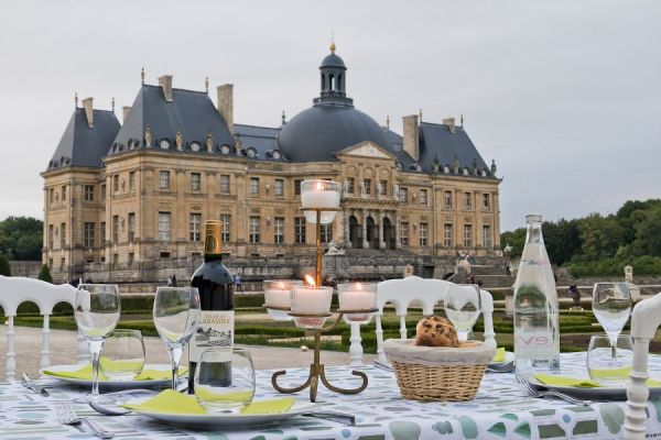 Exquisite French Chateau - outside Paris Venues in Overseas